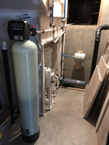 600 gallon/day reverse osmosis system in a home south of Platteville, CO. This was an extreme situation with salt, fluoride and sulfur. This family can now use and rely on their water. 2-2020